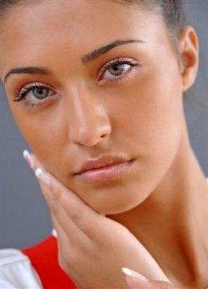 natural makeup & tan