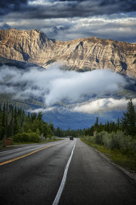 Hwy16 Jasper Photo by Matt Palmer -- Jasper National Park, Alberta Canadá, National Geographic Your Shot