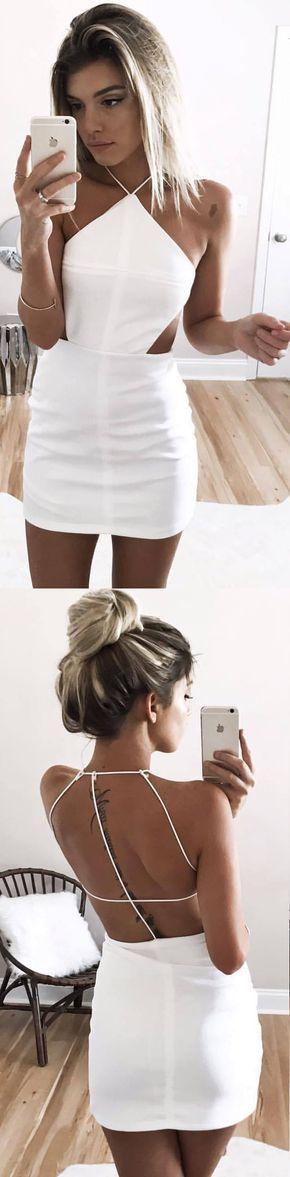 Vestido mini branco.