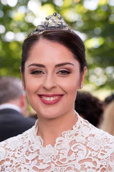 Tout le Gotha était réuni à Tirana ce week-end pour un jour heureux : le mariage du prince Leka II, prétendant au trône d'Albanie, et de l'actrice Eli...