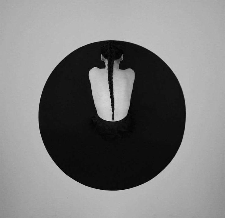 Black and White Minimalist Self Portraits by Noell Oszvald #inspiration…