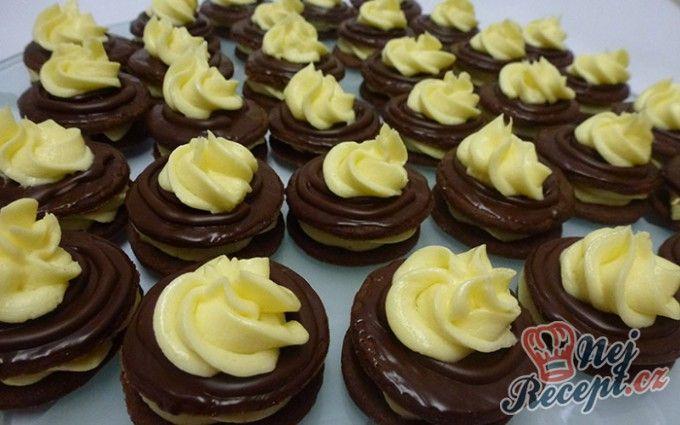Nebe v hubě - kakaová kolečka s poctivým máslovým krémem