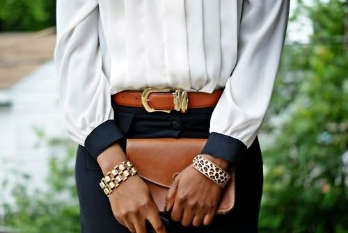 <3Classy, San Diego, Woman Fashion, Gold Bracelets, Brown Bags, Outfit, Fashion Accessories, Fashion Looks, Leather Belts