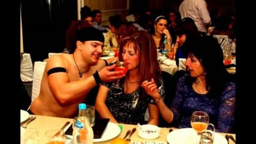 ▶ Striperi 8 Martie 2014 - Trupa de Striptease Masculin - Film Dailymotion