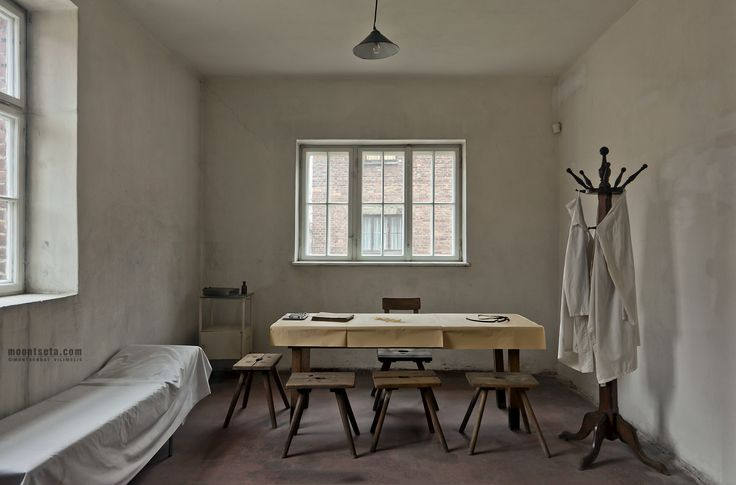 """The room in Block 20 where prisoners were murdered by phenol injected directly into their hearts.   ---  by Montserrat Vilimelis """"MOONtseta"""" on 500px"""
