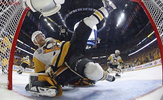 Pittsburgh prolomil domácí nadvládu a slaví obhajobu Stanley Cupu