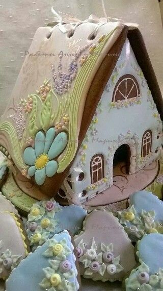 Gingerbread house & embellished hearts