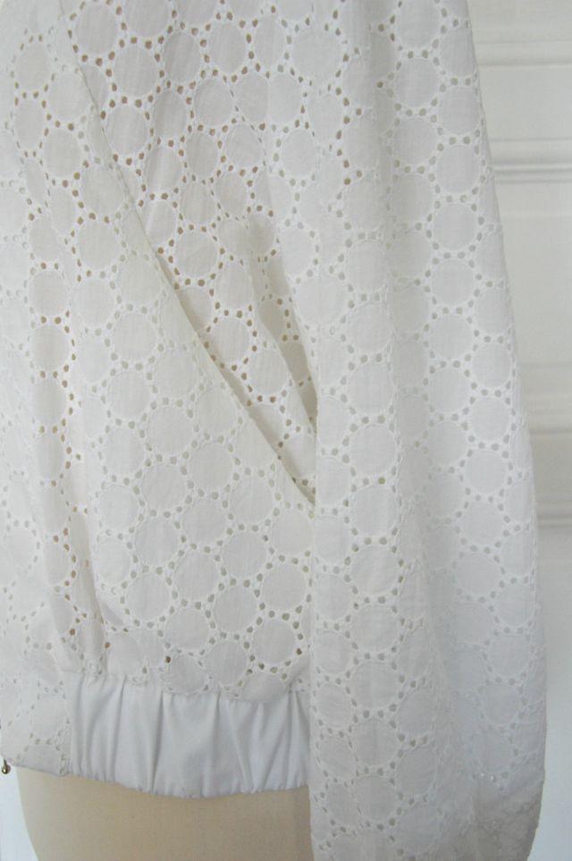 Me-made eyelet bomber jacket Burdastyle Juni 2015 #101 ... Selbstgenähter Blouson aus Lochstickerei Burdastyle Juni 2015 Nr. 101 ... Sewionista.com ... Sewing ... Slow Fashion ... DIY ... Blog