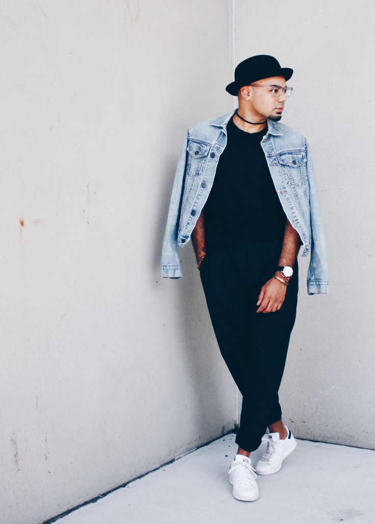 Black Cropped Trousers + White Woven  Woven // Uniqlo -- Trousers // Zara (similar) -- Clutch // Love, Cortine (similar) -- Shoes // Steve Madden  New York Fashion Week Recap
