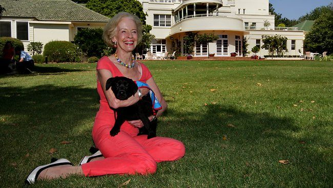 A role fit for a queen - Quentin Bryce, University of Queensland alumna - Bachelor of Arts, 63 and Bachelor of Laws, 65 and Doctor of Laws, 06