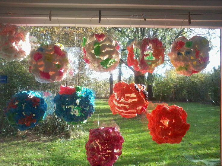lampionnen gemaakt door leerlingen van groep 8 van pur /bouwschuim