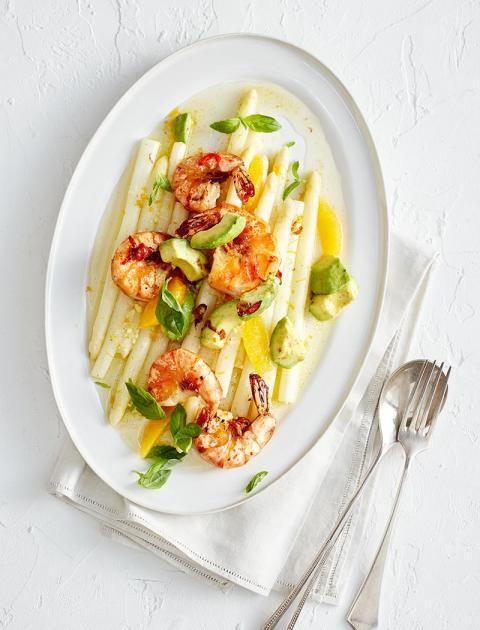 Vanille rundet mit ihrem wohligen Aroma Spargel, Avocado und scharfe Riesengarnelen ab. Kurz: Sie macht einen raffinierten Teller noch facettenreicher.