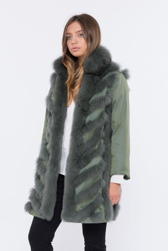 The VERDE ACQUA is a reversible fox fur jacket masterpiece that will never get old. You want a lightweight reversible fur coat?20% OFF - Shop Now @ SHACIFUR.com