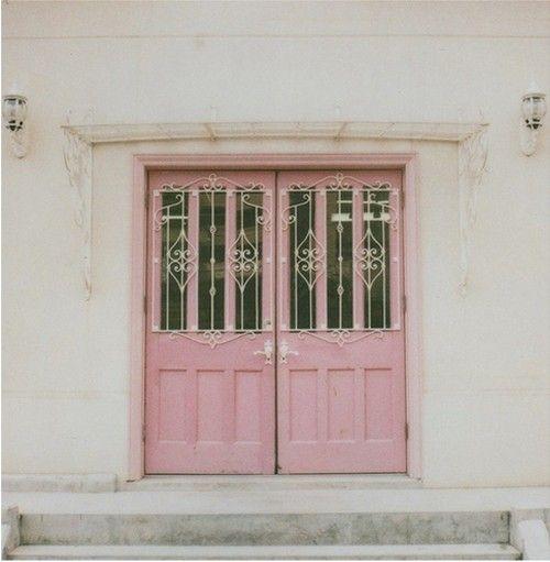 puerta rosada....