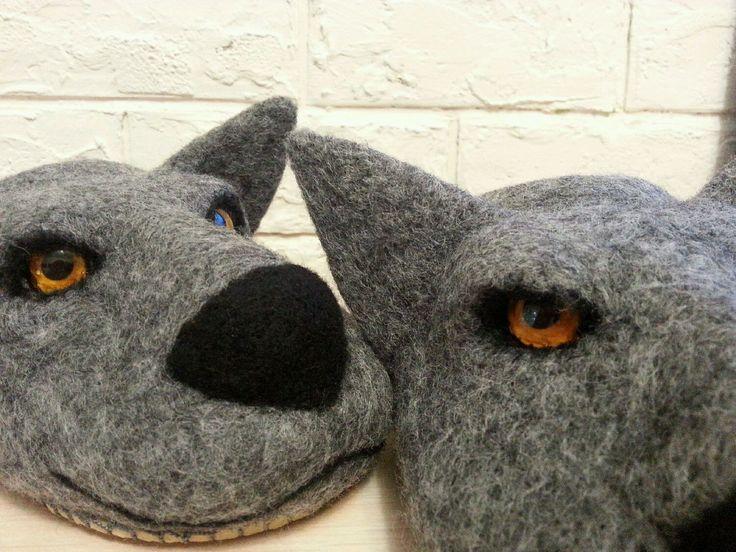 Купить тапки серые волки - темно-серый, подарок мужчине, подарок на 23 февраля
