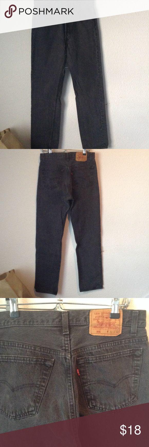 Men's Levis 501 black 32x32 Men's Levis black 501 like new only worn few times Jeans