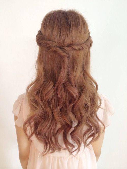 rokkustyle:  中途半端な前髪もスッキリなねじりハーフアップ