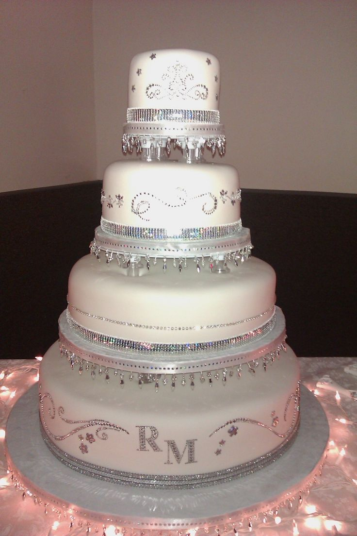 Wedding Cakes with Bling | http://media.cakecentral.com/gallery/720092/normal_1295366212.jpg