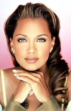 Belleza en la mirada de Vanessa Williams.