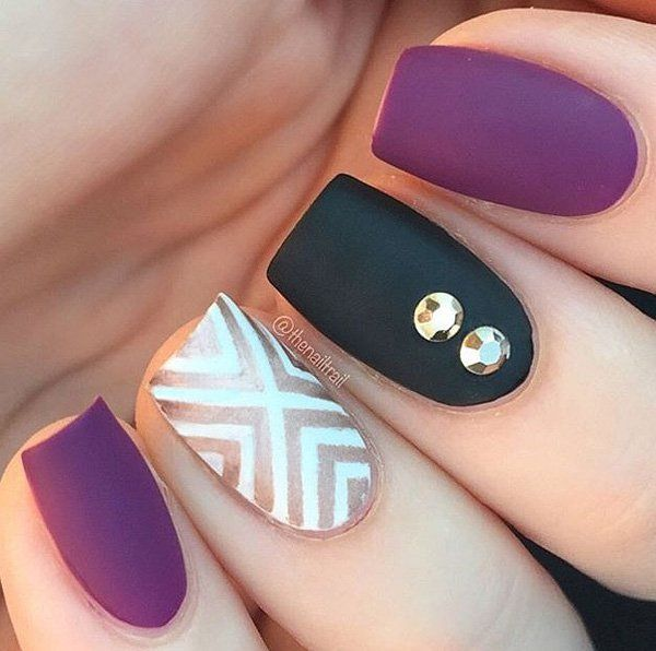 If you're having a glittery and distinct design as a chevron pattern as your accent, it may be best to stick with simpler designs for the other nails. You can add just a bit of diamonds for extra flair.
