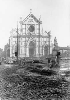 Santa Croce - L'alluvione di Firenze del 4 Novembre 1966 #TuscanyAgriturismoGiratola