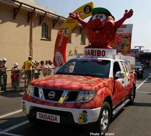 Norev Tour de France Nissan Navara Haribo Tagada
