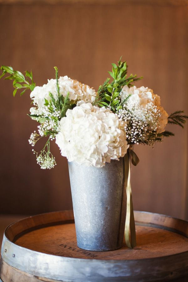 7 Tips for Creating DIY Wedding Flowers on a Budget - Sugar and Charm - sweet recipes - entertaining tips - lifestyle inspiration