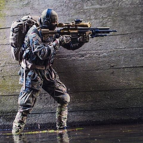 "1,196 Likes, 9 Comments - ✠Für das Deutsche Volk✠|19,3K| (@german_delta) on Instagram: ""German Frogman Quelle:DPA ______________________________ #germany #deutschland #germanmilitary…"""