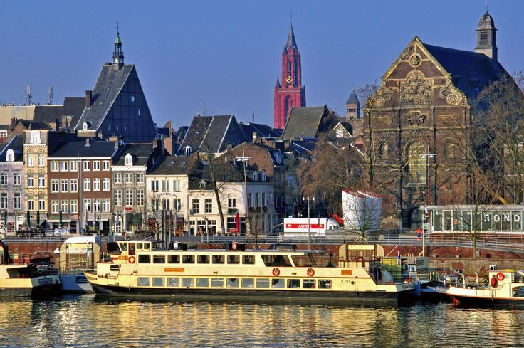 Maastricht is one of the oldest cities in Holland, as you will quickly discover when strolling through the historic inner city. Spend the night in a B&B and enjoy a unique experience in one of the best locations in Holland. #Maastricht #Holland #travel #h