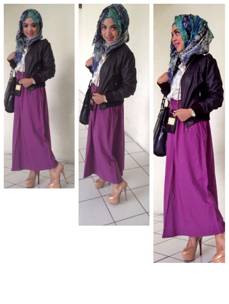 Jacket kulit jaket kulit bisa jadi keren dipadankan dengan hijab