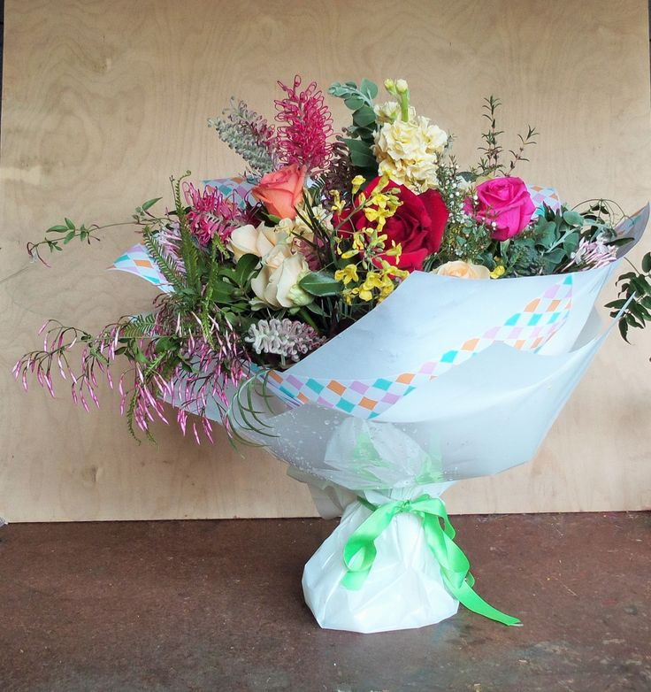 One of our big bunches ordered for birthday celebration at the Long Apron, Clovelly, Montville. Happy Birthday Sarah! Local Roses, stock, local cottage garden flowers, lots of Jasmine and local foliage wrapped in pastel pattern paper and lime green satin ribbon.