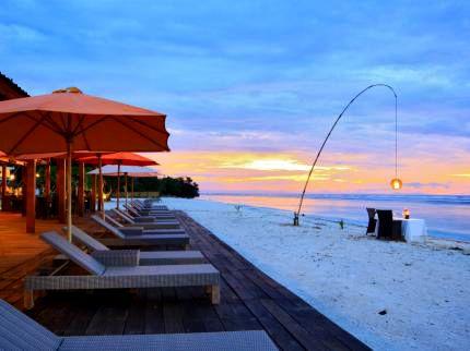 amazing honeymoon on sunset gili trawangan lombok