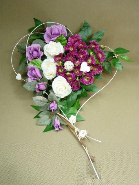 RÓŻE białe i fiolet SERCE misa (662.5A) stroik na grób Kompozycje kwiatowe…