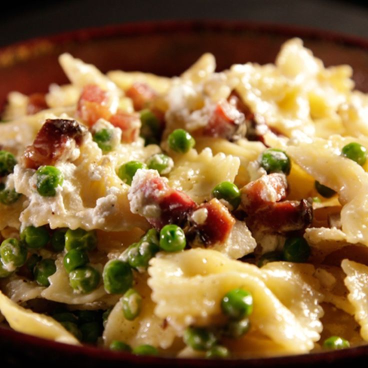 Try this Farfalle with Ricotta, Pancetta and Peas recipe by Chef Gordon Ramsay. This recipe is from the show Gordon's Ultimate Cookery Course.