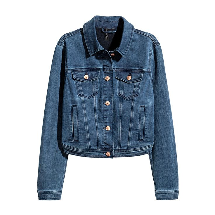 The cool wash on this light denim jacket makes it a must-have.