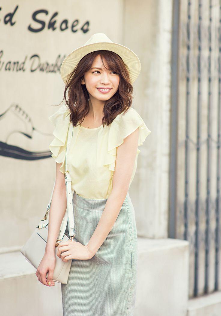 宮田聡子が着こなす、ふわ袖春色トップスの大人可愛い6コーデ♡ | with 2015年7月号 | iQON(アイコン)