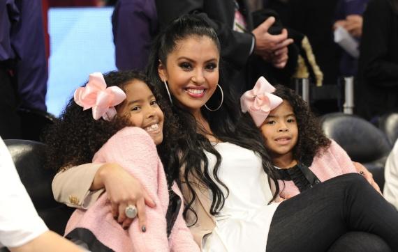 Report: Kobe Bryant's wife Vanessa and daughters.