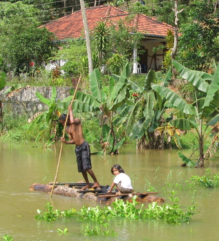 hoogwater bij HomeStay Srilanka, Poddala