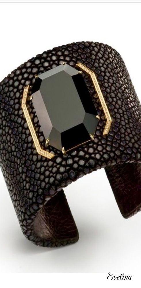 Black Accents, Black Gold, Black White Red, Black Onyx, Modern Jewelry,  Fashion Black, Colour Black, Black Beauty, Bangle Bracelets