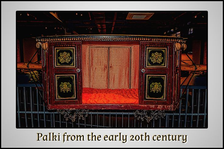 Palki that belonged to a princely state in the Chotta Udaipur region in Gujarat!   #Palanquin #Palki #VintageCollection #Vintage #Heritage #TransportMuseum #Gurugram #Manesar #IncredibleIndia #Exhibit