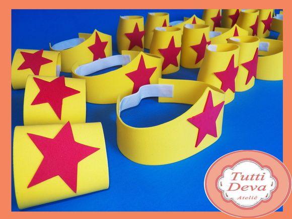 O kit é composto por 1 Tiara + 2 braceletes. Confeccionamos em outros temas consulte-nos. R$ 2,99