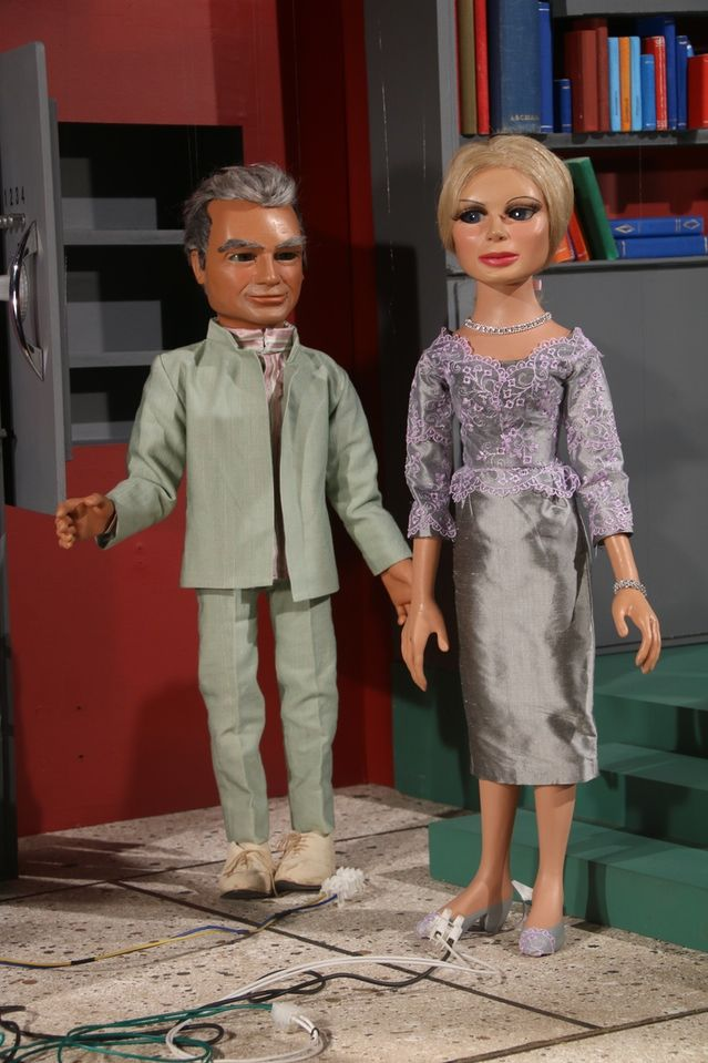 Jeff Tracy and Lady Penelope at the end of Introducing Thunderbirds