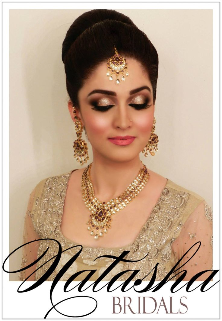 this stunning porcelain doll came in for her baaraat makeup and Natasha did her makeup in shimmering hues of ice gold, yellow gold, rich browns and smoked out edges complimented by pink cheeks and lips!