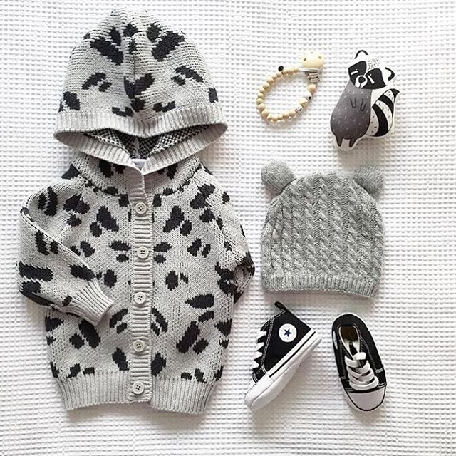 Because cold weather calls for cute and cuddly knits! Love this photo from @romydickson featuring our Knit Cardigan. #bondsaus #bondsbaby #knitwear #regram