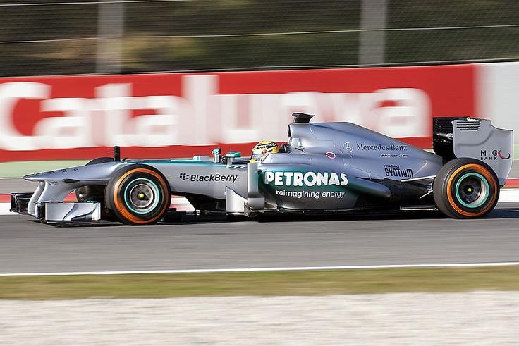 File:Mercedes AMG F1 W04 - Lewis Hamilton (8493461760).jpg