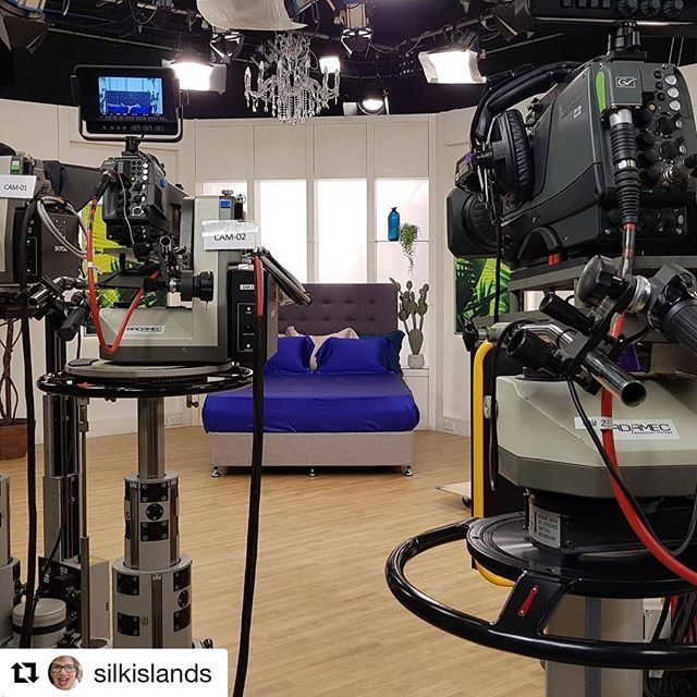 Here's a little behind the scenes look Christine took before her Silk Dreams show yesterday. What are you loving in the Silk Dreams range?  #tvsn #tvshopping #silk #silkbedding #bedding #sleep #home #silkislands