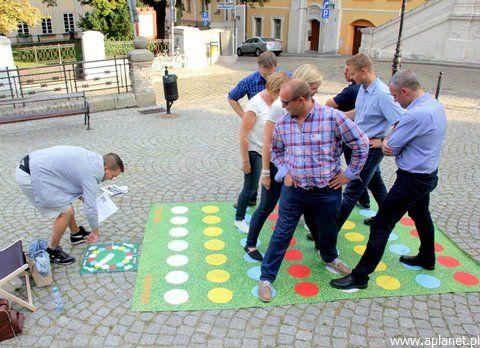 Gry miejskie (city games)
