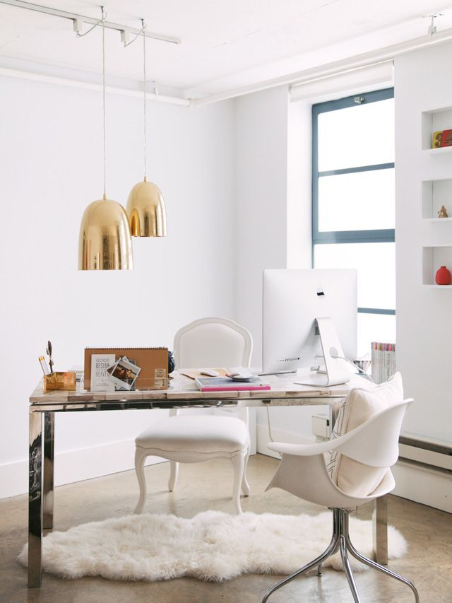 Bright, clean light in your home office! With a pop of gold.Decor, Office Spaces, Offices Spaces, Interiors, Work Spaces, Workspaces, Desks, White Office, Home Offices