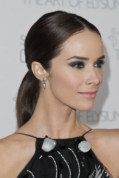 Abigail Spencer Photos Photos - Abigail Spencer attends the Art of Elysium and Samsung Galaxy Marina Abramovic's HEAVEN Gala at Hangar 8 on January 10, 2015 in Santa Monica, California. - The Art Of Elysium And Samsung Galaxy Present Marina Abramovic's HEAVEN - Arrivals