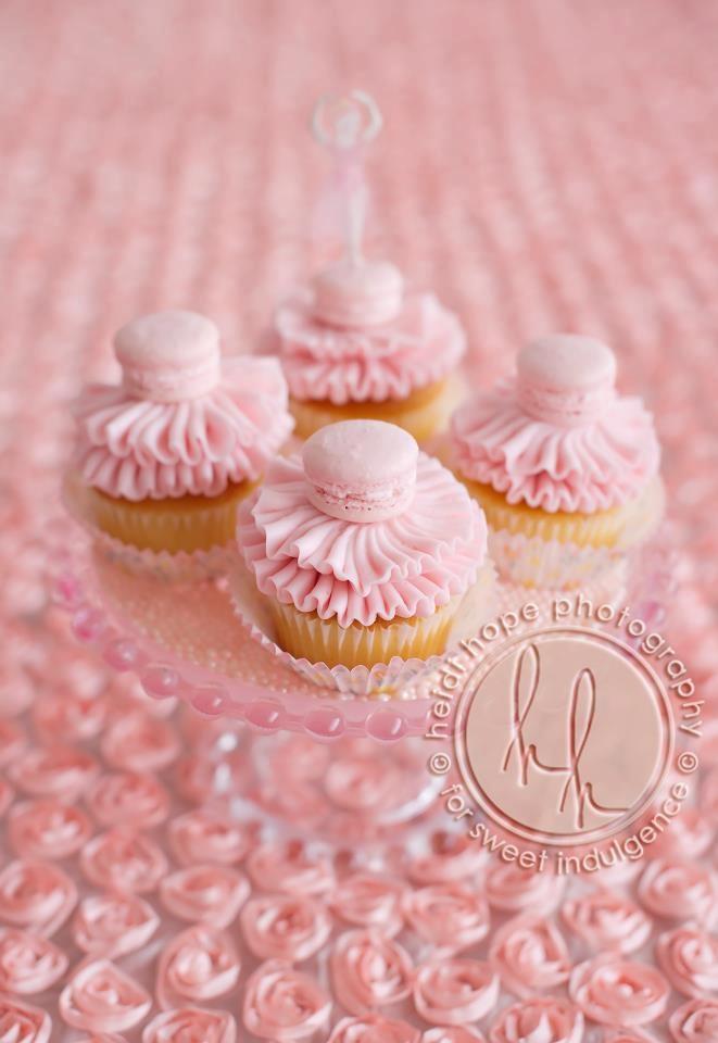 pretty french macaron cupcakes